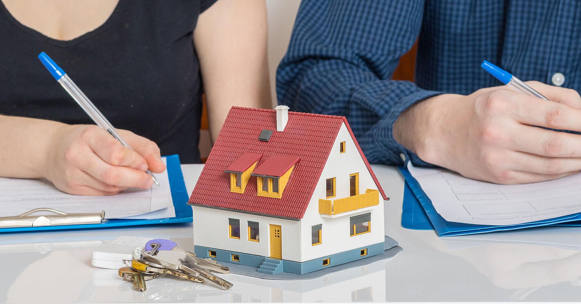Alternativen schuldhaftentlassung Übernahme Hausanteil
